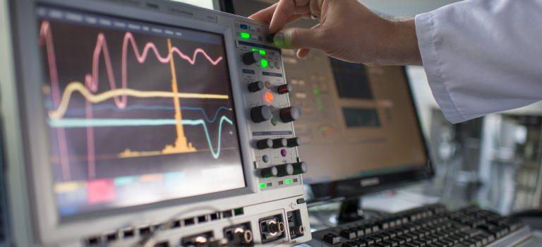 """""""Wie wir Elektronen beim Springen und Schwingen zusehen"""" – Spektroskopische Methoden der Analytik"""